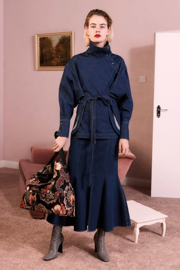 12_stella_mccartney_pre_fall_17_jpg_6659_north_1382x_black.jpg